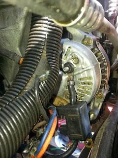 a1.bp.blogspot.com__F_BW7DWyhns_UllyIAKSXSI_AAAAAAAAEVc_PsdR1s7TQ14_s320_jeep_alternator.jpg