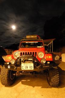 a1.bp.blogspot.com__nADEMIvEDSM_TCNba_oI67I_AAAAAAAAAXs_W2QPRu4h1r8_s320_jeep_moon.jpg