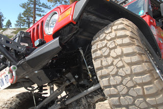 a2.bp.blogspot.com__9Z_yzz2dEcE_UT0wRQNRLXI_AAAAAAAADoA_r767ODu1xEk_s320_jeep_tnt_suspension2.JPG