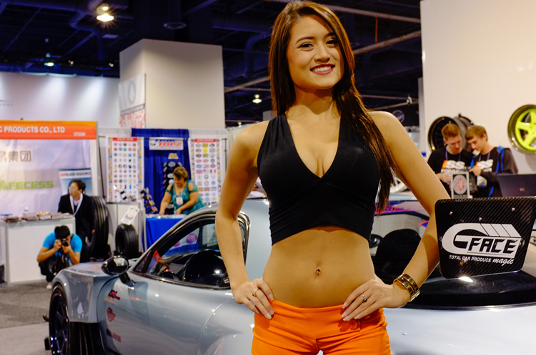 ajpfreek.com_wp_content_uploads_2013_11_women_of_sema_6.jpg