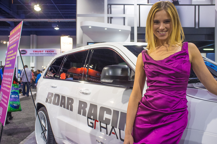 ajpfreek.com_wp_content_uploads_2013_11_women_of_sema_8.jpg