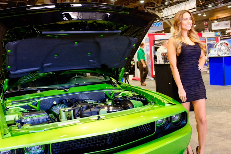 ajpfreek.com_wp_content_uploads_2013_11_women_of_sema_9.jpg