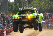 Cam-Steele-racing-to-third-place-in-the-2014-Baja-1000.jpg
