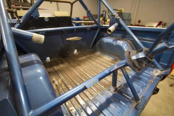 ORMHOF-Bronco-basket-case-002.jpg