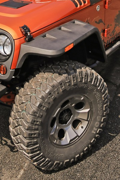 Rugged-Ridge-Hurricane-Fender-Flare-installed-front-view-High-Res.jpg