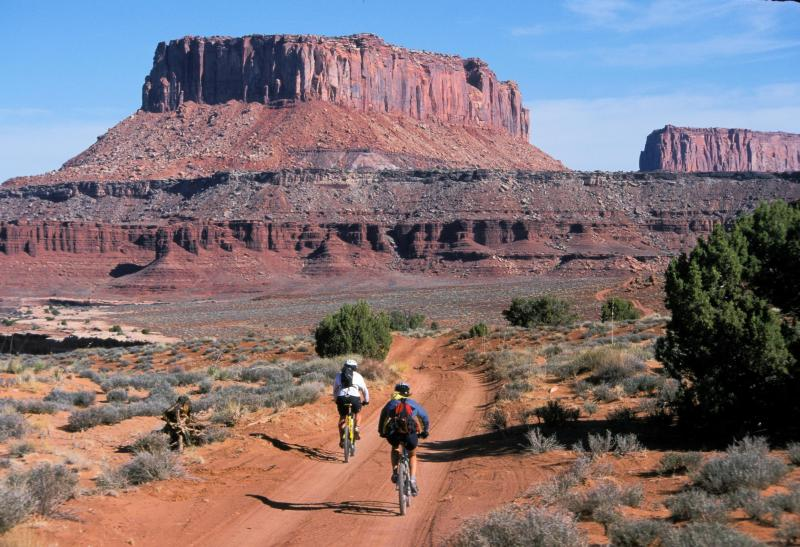 white-rim-road-canyonlands.jpg